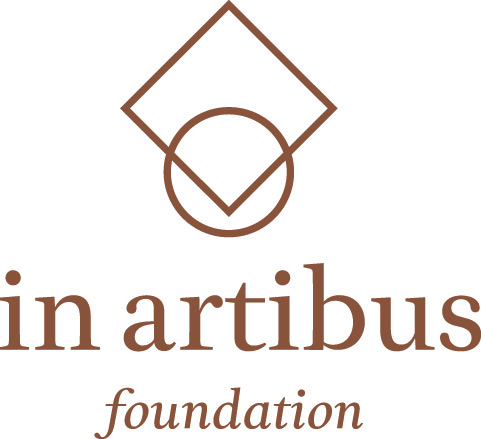 in artibus logo