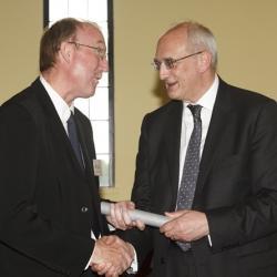 Dr David Oldfield awarded a Pilkington Teaching Prize